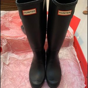 ✨✨Like New Hunter Boots Size 8✨✨